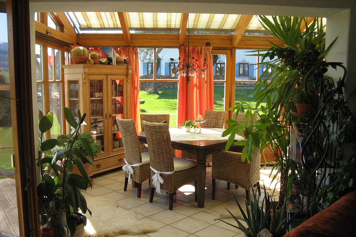 Komfortables Wohnzimmer in der mediteranen Ferienwohnung Romantica