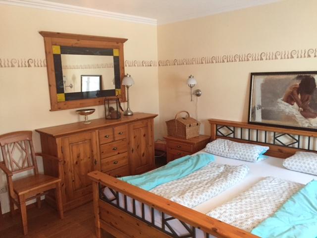 Eines unserer gemütlichen Schlafzimmer in der Ferienwohnung Romantica