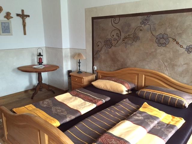 Gemütliches Schlafzimmer in der Ferienwohnung Antike Bauernhof